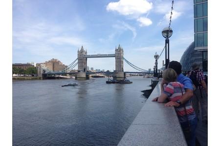 ロンドンにパートナーサロンがあり 研修も行けるかも♪