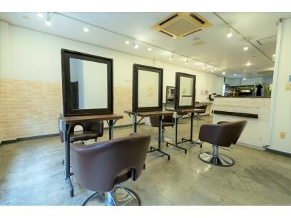 Ursus hair Design 北千住店