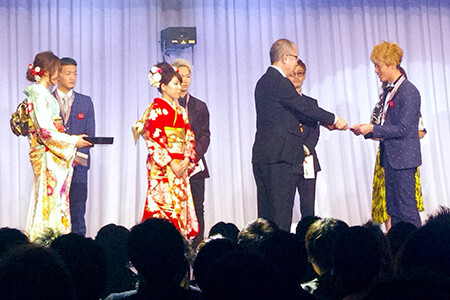 新年式典にて1年間で活躍した個人やサロンを表彰★新人賞有り★
