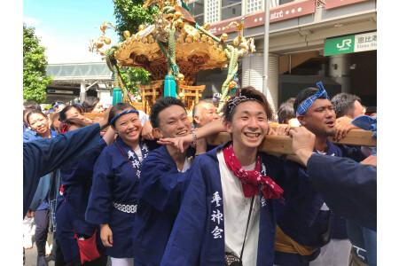 地域密着!恵比寿で神輿を担ぎ地域の方達と交流を深めてます♪