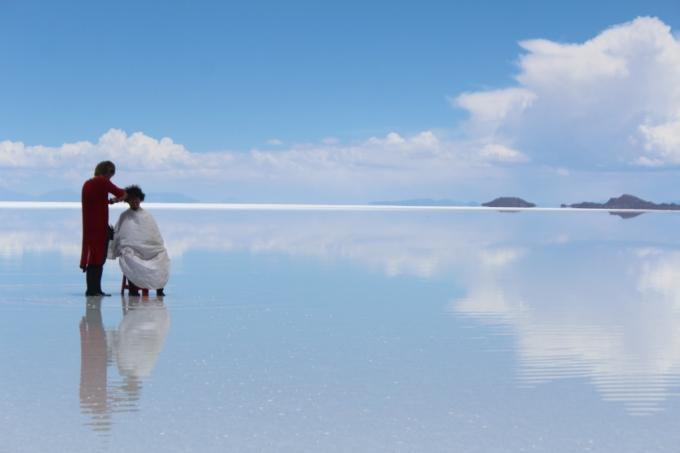日本の裏側ボリビアのウユニ塩湖ヘ! 有名美容師共にヘアカット ...