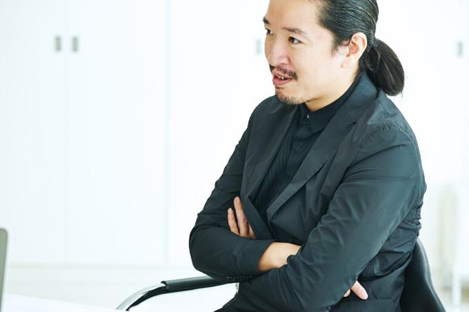 DSC 3029 日本からロンドン、世界へ。伝説の美容師・「TONI&GUY」雑賀健治の生きた道とは?|雑賀英敏インタビュー